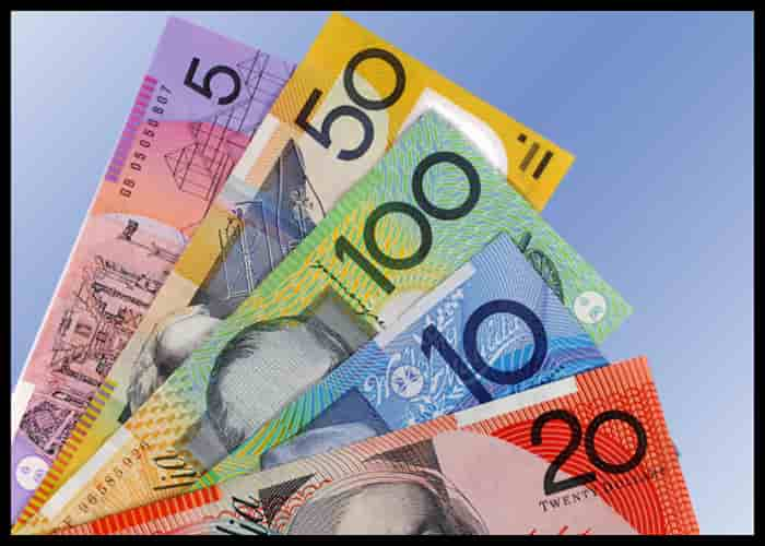 Aussie dollar at one-week low; risk-off mood supports U.S. dollar